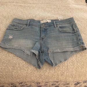 Gilly Hicks | mid rise denim shorts